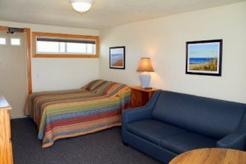 Beachfront Motel Room, Upstairs, Building 1